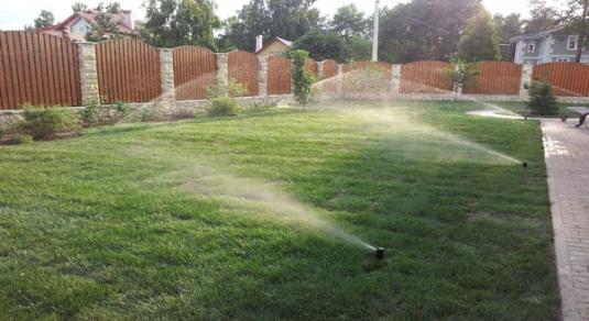 Система полива на загородном участке в Верхней Курье