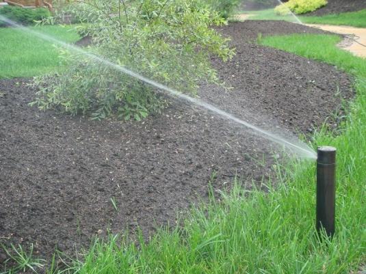 Система полива на загородном участке в Южном